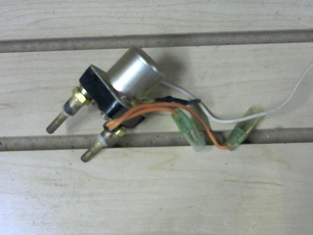 Carburetor magnetic switch